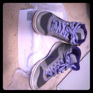 Nike Tennis Shoes Gray and Purple